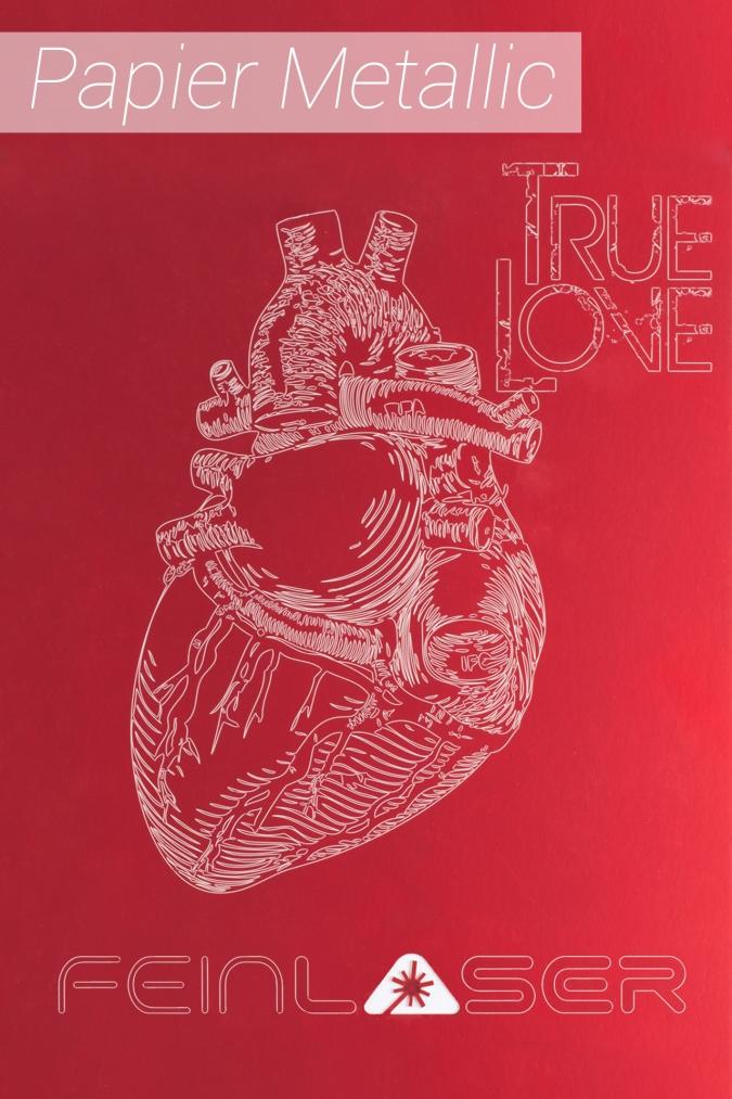 Lasergravur Herz auf rotem Papier Detail