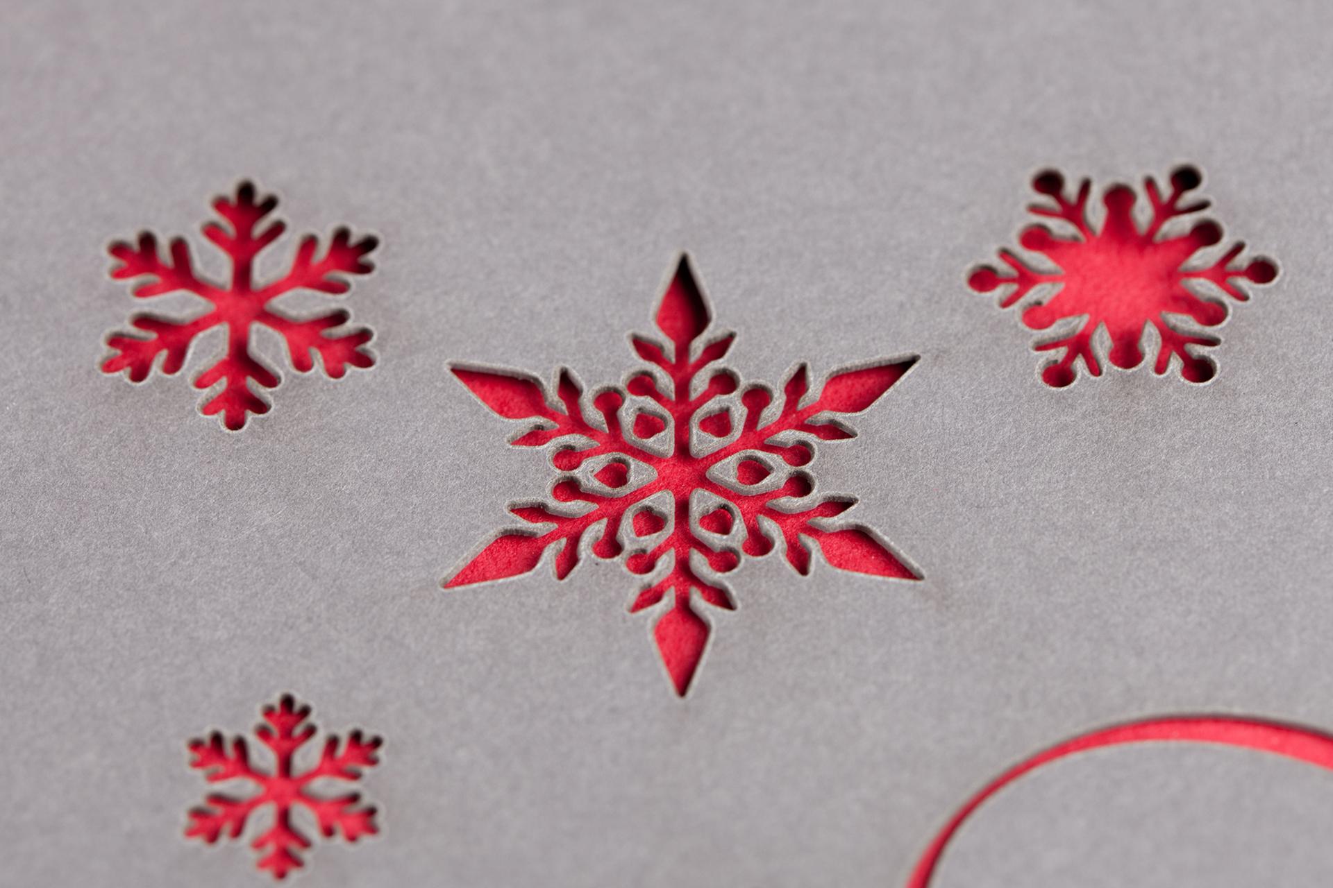 Schneeflocke laser geschnitten aus Papier